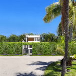 Hlevel Architecture Sanibel Island Residence Street view landscaped